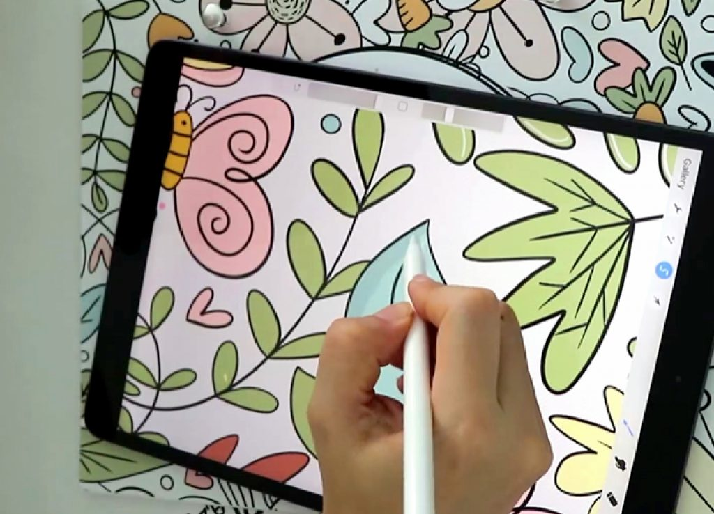 Learn about how you can use your iPad for coloring and to reduce anxiety and have a more peaceful life. #coloringbook #adultcoloringbook #digitalcoloringbook